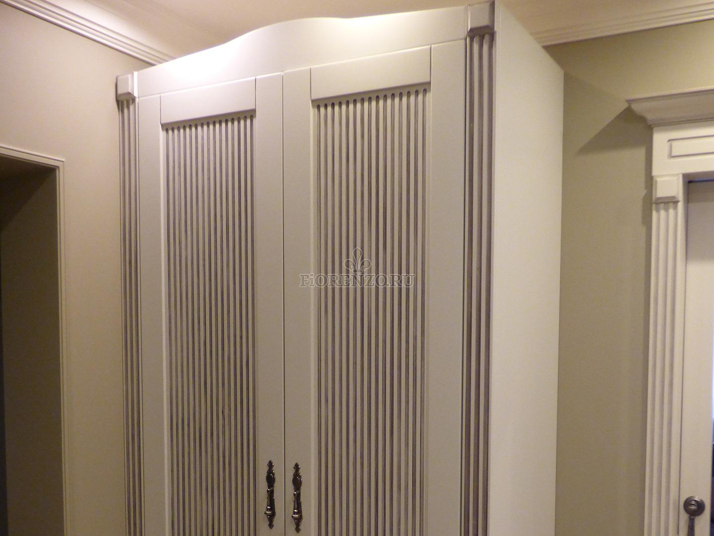 Шкаф с фрезеровкой