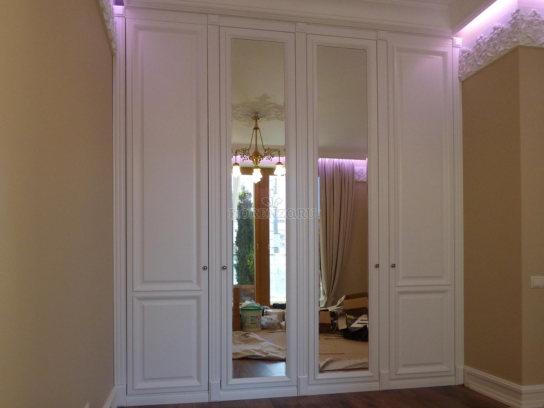Встроенный шкаф с зеркалом