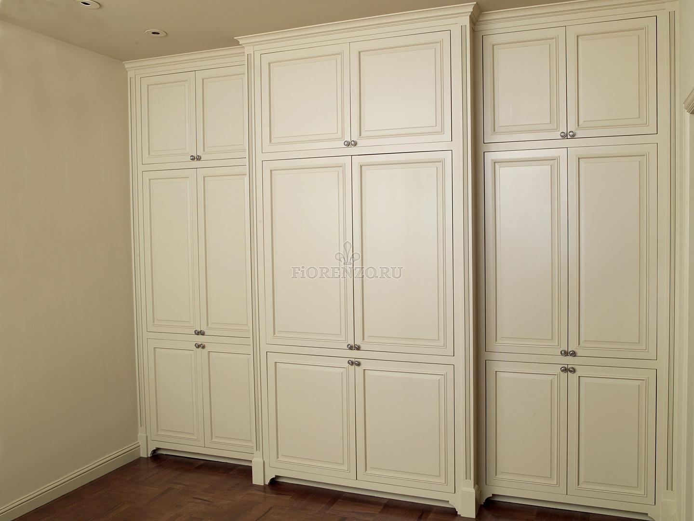 Шкаф в коридор классика