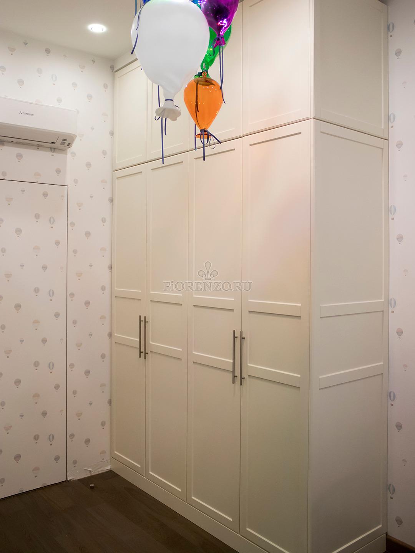 Шкаф в детскую под заказ