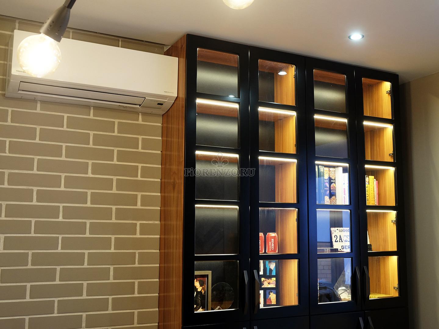 Книжный шкаф из шпона