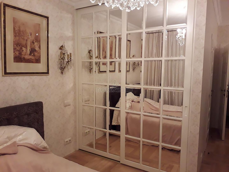 Зеркальный шкаф-купе для спальни