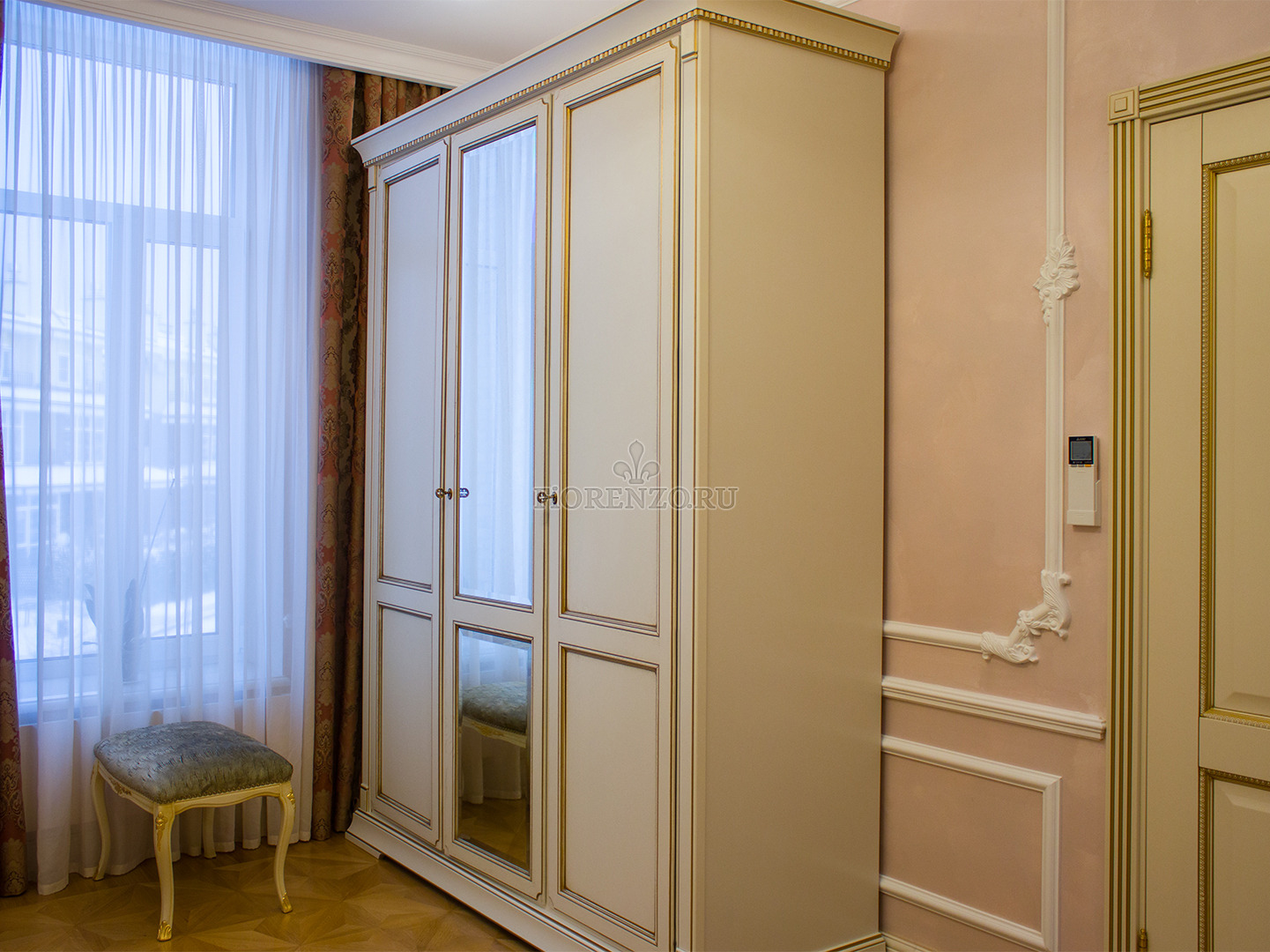 Шкаф в спальню из МДФ