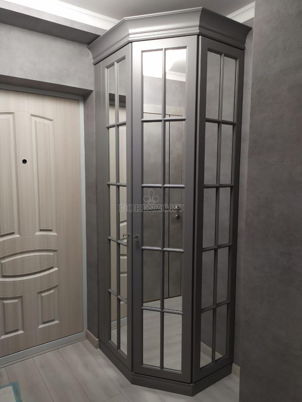Шкаф в английском стиле