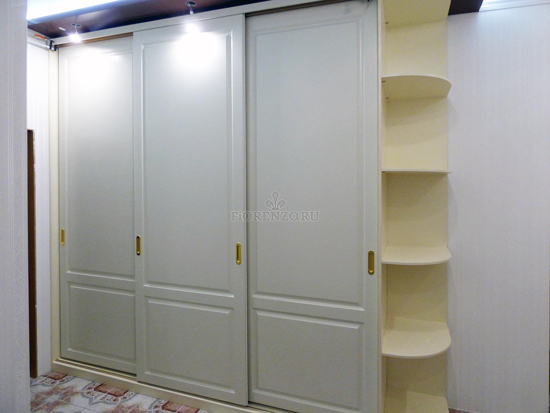 шкаф купе из крашеного мдф в классическом стиле в спальню купить в